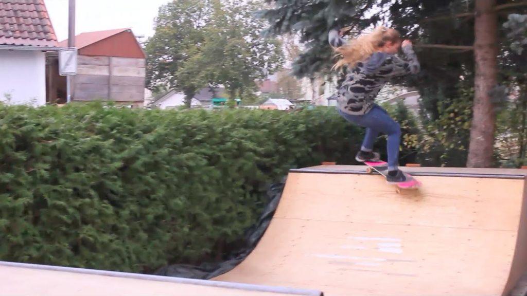 Backyard Mini Ramp Girls 3